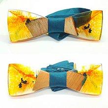 Doplnky - Dreveno-živicový motýlik Chenya - 11175580_
