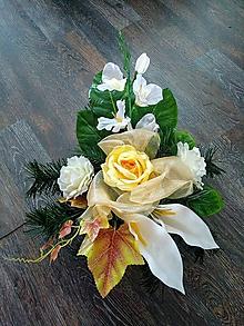 """Dekorácie - Smútočná ikebana na hrob """"krémová"""" - 11180443_"""
