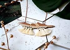 Náhrdelníky - Drevený náhrdelník Pierko I. - 11179204_