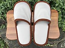 Obuv - Béžové papuče s hnedým lemom - 11177907_