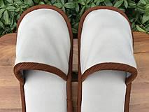 Obuv - Béžové papuče s hnedým lemom - 11177909_