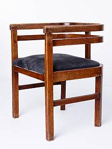 Nábytok - Zaujímavá stará stolička - 11180014_