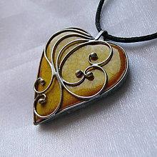 Náhrdelníky - Srdiečko z lásky - žlté - 11178038_