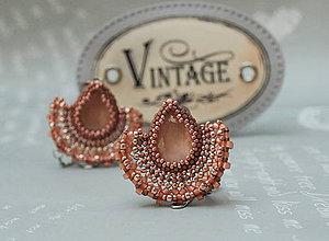 Náušnice - Visiace náušnice s brúseným skleneným kameňom Alexandra - 11179560_