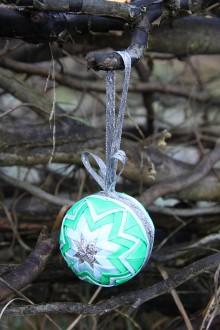 Dekorácie - Vianočná guľa - modro/strieborno/zelená - 11178202_