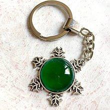 Kľúčenky - Green Onyx Snowflake Keychain / Kľúčenka so zeleným ónyxom - snehová vločka - 11183183_