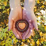 Odznaky/Brošne - Heart n.9 - vyšívaná brož - 11181967_