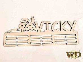 """Nábytok - Vešiak na medaile """"triatlon"""" - 11184727_"""