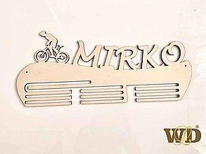 Nábytok - Vešiak na medaile pre cyklistu - 11184729_