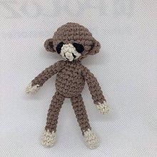 Hračky - maličká háčkovaná opička - 11182332_