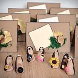 Darčeky pre svadobčanov - Ježkovia personalizovaní s 2 doplnkami - darčeky pre hostí/menovky - 11183404_