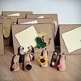 Darčeky pre svadobčanov - Ježkovia personalizovaní s 2 doplnkami - darčeky pre hostí/menovky - 11183405_