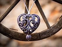 Dekorácie - Vyřezávané srdce levandulové - 11184409_