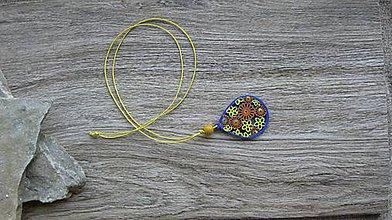 Náhrdelníky - Náhrdelník s dreveným maľovaným príveskom (slza č. 2931) - 11181934_