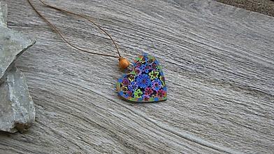 Náhrdelníky - Náhrdelník s dreveným maľovaným príveskom (srdce č. 2932) - 11181973_