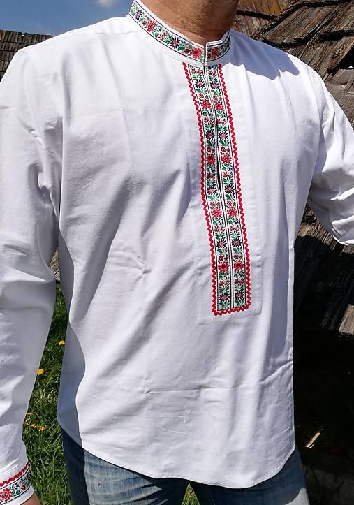 Pánska košeľa na ľudovú nôtu.