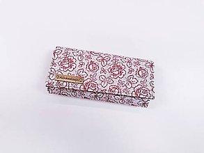 Peňaženky - Peňaženka bordové ružičky na bielom - 11186144_