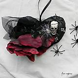 Dekorácie - Čierne srdce s ružou - dekorácia - 11188737_