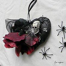 Dekorácie - Čierne srdce s ružou - dekorácia - 11188734_