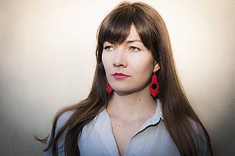 Náušnice - Červená Viola - Ručne šité šujtášové náušnice - Soutache earrings - 11186206_