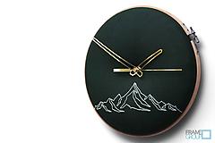 Hodiny - Hugo, ručne vyšívané nástenné hodiny jednýmťahom - 11186649_