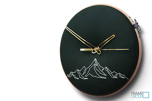 Hugo, ručne vyšívané nástenné hodiny jednýmťahom