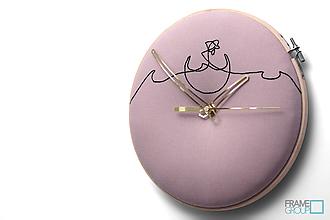 Hodiny - Viktor, ručne vyšívané nástenné hodiny jednýmťahom - 11186794_
