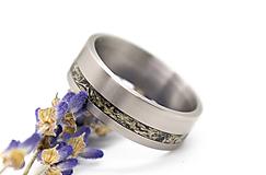 Prstene - Titanový prsteň s lišajníkom - 11186182_