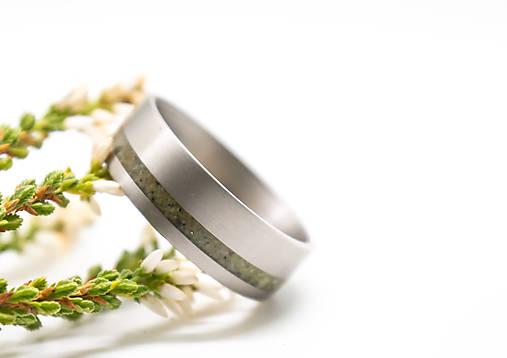 Titanový prsteň s opálom