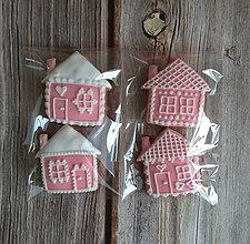 Dekorácie - Perníkový domček vianočný (Ružová) - 11188895_