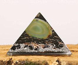 Dekorácie - Cheopsova pyramída - orgonit - 11187919_