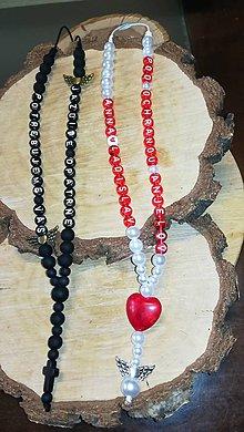 Iné šperky - Prívesok alebo amulet do auta   na želanie s textom menom alebo dátumom aj farebne podla vašeho priania - 11191580_