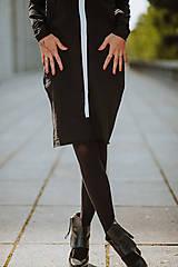 Šaty - FNDLK úpletové šaty 430 RuVdL midi - 11189920_