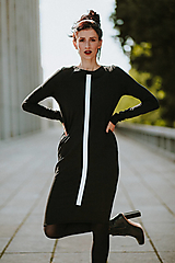 Šaty - FNDLK úpletové šaty 430 RuVdL midi - 11189922_