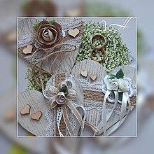 Úžitkový textil - drevené srdiečka - 11191183_