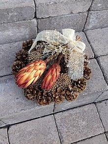 Dekorácie - šiškový natur spomienkový veniec 27 cm - 11191486_