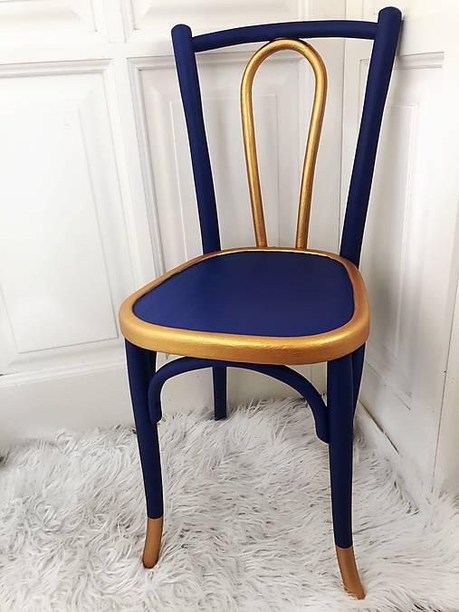 Stolička Blue crown