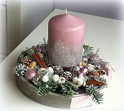 Dekorácie - Vianočný svietnik ružovostrieborný - 11193936_