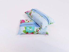 Taštičky - Prenosný obal / zásobník na papierové vreckovky ružičky - 11193291_