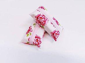Taštičky - Prenosný obal / zásobník na papierové vreckovky ružičky - 11193308_