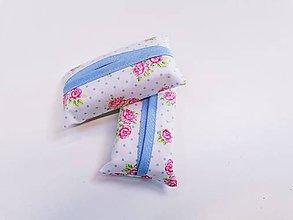 Taštičky - Prenosný obal / zásobník na papierové vreckovky ružičky - 11193310_