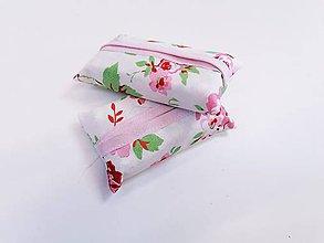 Taštičky - Prenosný obal / zásobník na papierové vreckovky ružičky - 11193320_