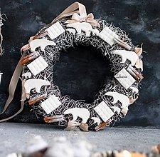 Dekorácie - Polárny veniec biela čokoládka , škorica (Interiér) - 11193494_