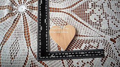 Pomôcky - Jednoduchá drevená podložka (Srdce) - 11193407_
