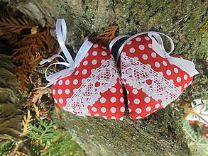 Darčeky pre svadobčanov - Svadobné srdiečka darčekovo zabalené - 11193620_
