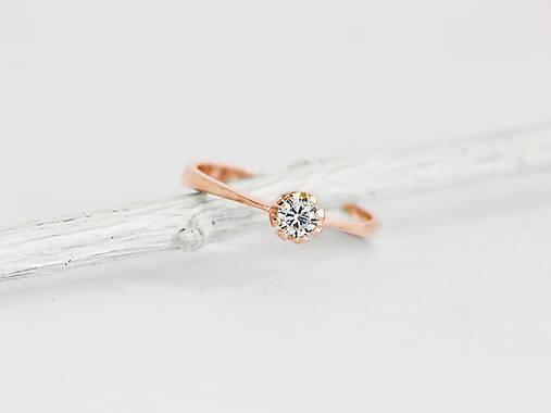 Prstene - 585/1000 zlatý zásnubný prsteň s diamantom 3,5 mm, E/SI1 (ružové zlato) - 11196090_