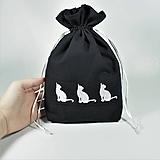 Úžitkový textil - Bavlnené vrecúško vyšívané mačky - 11196085_