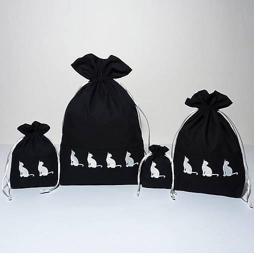 Bavlnené vrecúško vyšívané mačky