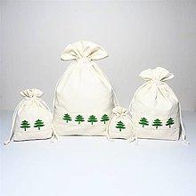 Úžitkový textil - Bavlnené vrecúško vyšívané stromčeky - 11195575_