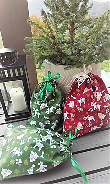 Úžitkový textil - Mikulášske / Vianočné vrecúška (31 x 24cm - Zelená) - 11197758_